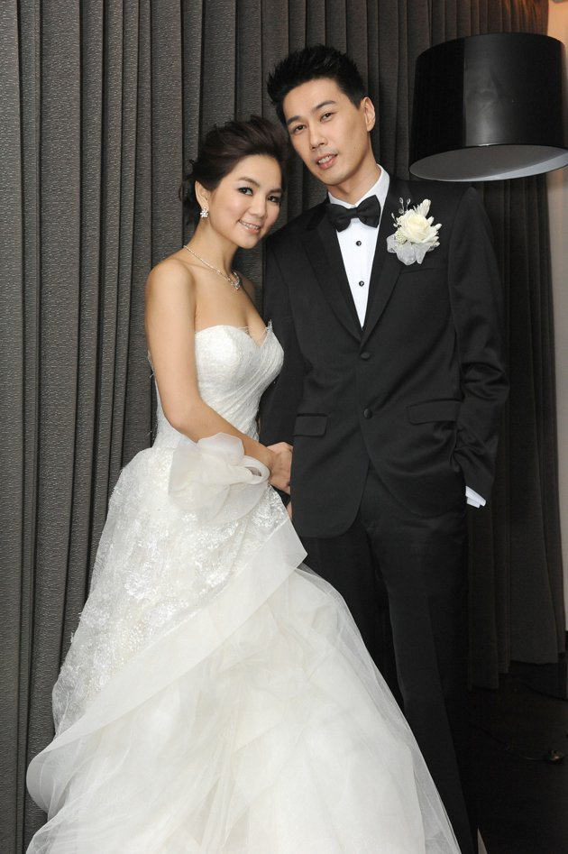 Ella Chen and Alvin Lai Married and Shared A Wedding Kiss ...